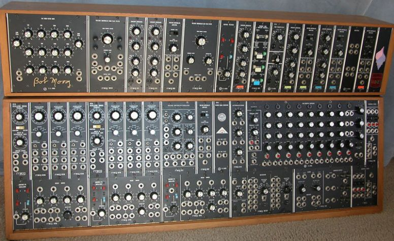 800px-Moog_Modular_55_img1